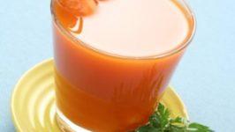 Tratament naturist cu sucuri de Fructe